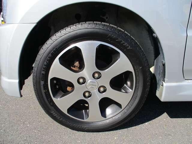 純正アルミホイール付き!タイヤ残り9部山◆スタッドレスタイヤ・アルミホイールなどのご相談もお気軽に!中古のタイヤ・ホイールなどのご紹介もさせていただきます!