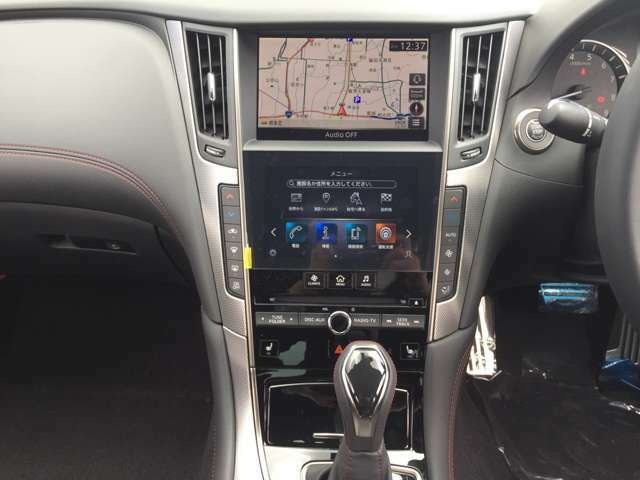 最先端技術を屈指した多彩な運転支援システムを装備しており、新しいカーライフをお楽しみいただけます。