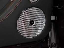noim for Bentley. 最上位オプション。2200W/18スピーカ/2シェーカー/21chアンプ。115万円。