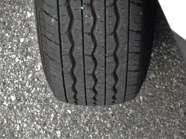 〇フロント右タイヤ 全タイヤ特に問題なく良好な状態です。