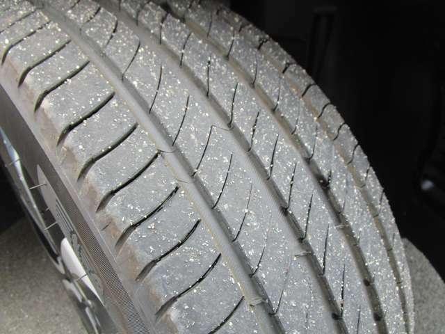 タイヤの残溝もまだまだあります!