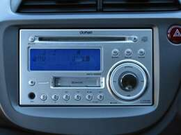 CDカセット付。もちろんAM・FMチューナー内蔵です。