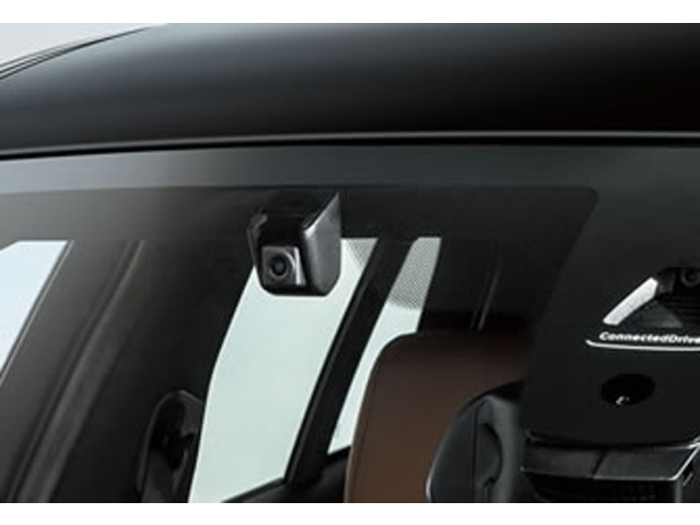 Bプラン画像:BMW純正のドライブレコーダーをご納車前点検と同時に取り付け可能です。エンジン停止後、50分間の駐車監視モード付。※画像は、イメージとなります。予告無く製品形状が変更になる場合がございます。