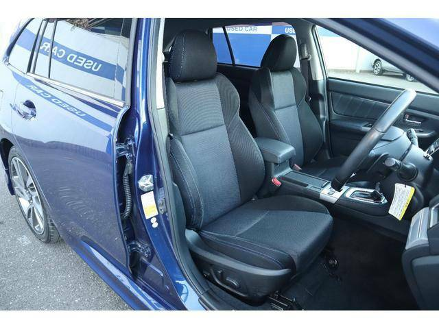 パワーシート付きなので身長に関わらず最適な運転ポジションが取れます