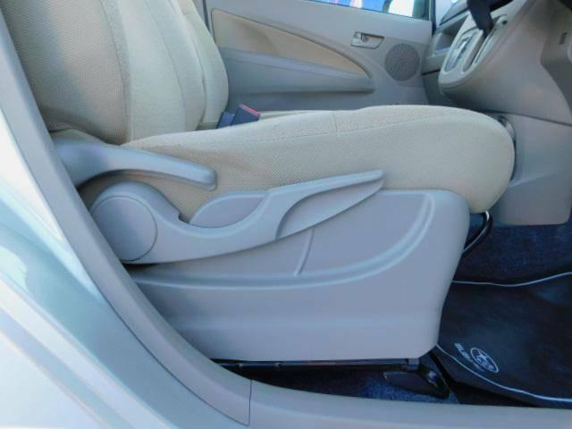 座面の高さを調整できるシートリフター!小柄な方も安心ですね。