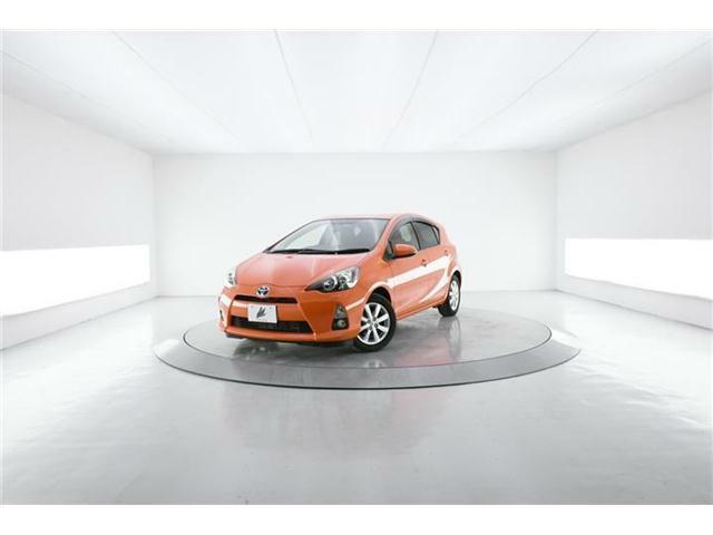 小型・軽量・高効率化でトップクラスの燃費性能を持つコンパクトハイブリッドカー『アクア』の充実装備の上位グレード【G】オプションも多数追加装備した低走行1.9万Km!
