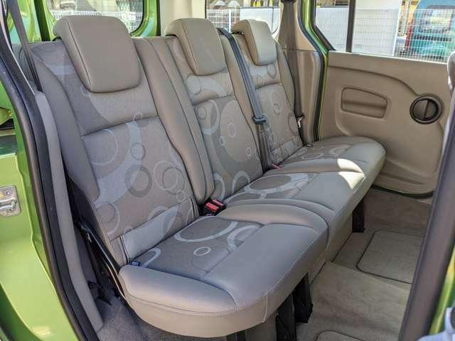 後部座席もシミや破れ等御座いません!是非実際に座ってみて下さい!