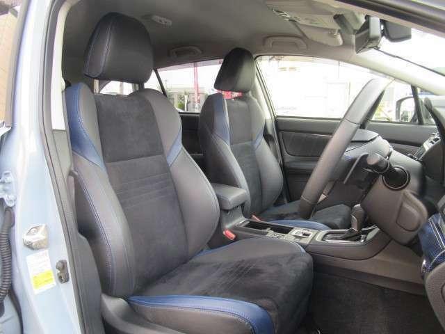 ホールド感のあるシート♪ロングドライブもおまかせ♪