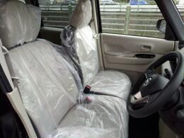 車内高もあり全席余裕のある空間です。小さなお子様がいる方などチャイルドシートがあるとかなり窮屈になりますがこのスペースがあれば問題ないですよね!