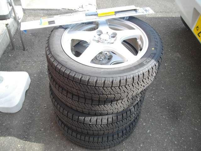 Aプラン画像:冬の必需品スタッドレスタイヤ&ホイルと冬ブレードSET!