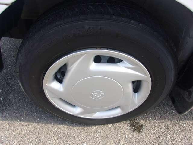フロントのタイヤです!タイヤの残り溝も有り、まだまだご使用していただけます。