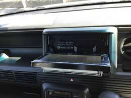 DVD、CD、ラジオ、Bluetooth機能が搭載されている今どきのナビですよ♪