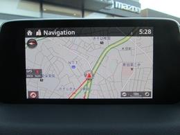 7インチセンターディスプレイにエンターテーメント機能を凝縮したマツダコネクトを装備。音声認識の他、Apple CarPlayやAndroid Autoに対応。DVD&地デジのオプション付きです。