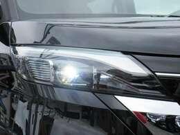 ナイトドライブの味方として人気のLEDヘッドライト! 夜間の視界を確保して安全な走行をサポ-トしてくれます。