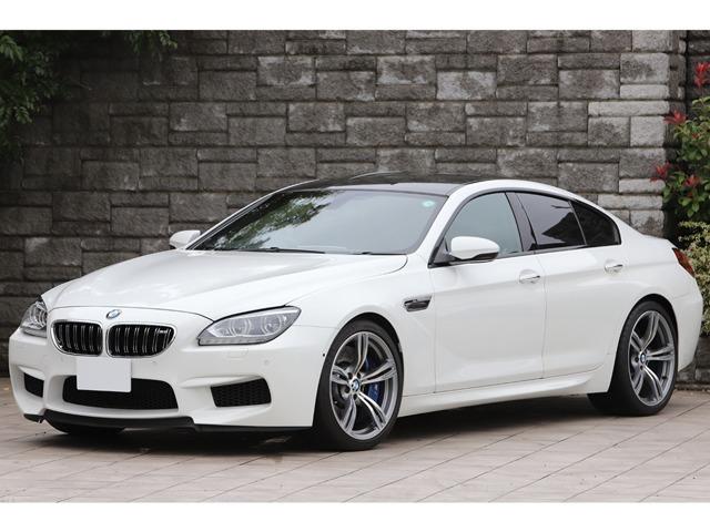 BMW M6 グランクーペ 黒革シート OP20インチAW カーボンルーフ カーボンインテリアトリム アダプティブLEDヘッドライト ヘッドアップディスプレイ