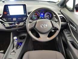 運転席・インパネまわりの画像です!ハンドルやシートなども隅々までプロによるクリーニング済み♪