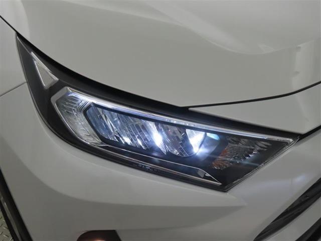 高輝度で点灯速度が速く、しかも消費電力の少ないLEDヘッドライトが装備されています!LEDの明るい光が走行中の視界の確保をサポートして、夜のドライブがより楽しく安全に運転できます♪