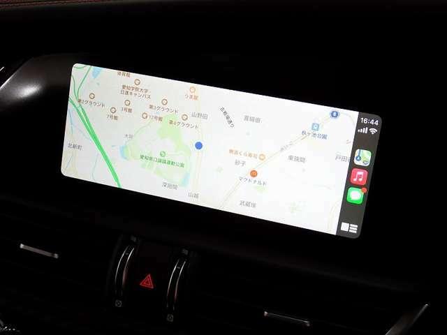 ★アップルカープレイ対応ディスプレイです。ナビゲーションはスマートフォンでの利用となりますが、常に最新の地図になり、安心してドライブいただけます。
