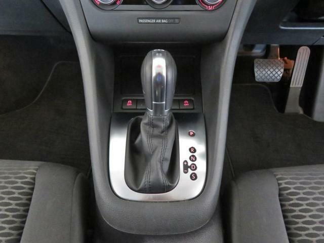 VW独創の7速DSGトランスミッション!パワフルな走りと低燃費の両立を実現します!