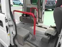 当店の在庫車両は徹底した品質管理のもと展示されております!コーヨー自販が目指す「真心と安心」をお約束する高品質な車。入庫後は「査定のプロ」である査定士が車両本体及び装備品の状態を検査します。