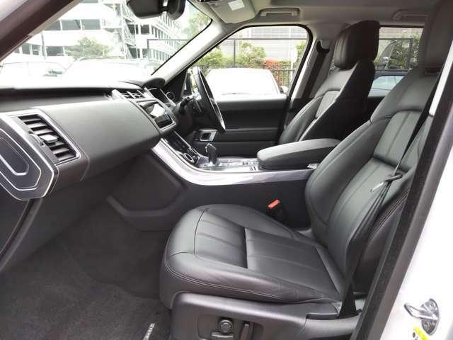 フロントシートにはシートヒーターを搭載。3段階で温度調節ができ、寒い冬場でもエアコンより早く温まるので人気です。女性オーナーからも需要が高い装備です。