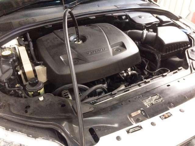 ボルボ 2000ccエンジン初のティレックスエンジン洗浄で、直噴エンジンの汚れを綺麗に洗浄済で静かなエンジンに仕上がっております。
