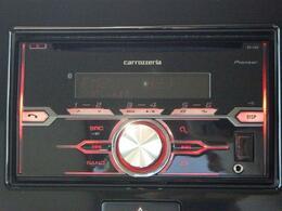 シンプルなデザインと使いやすさを追求したCDプレーヤーを装備 気持ちのいいドライブを演出します!