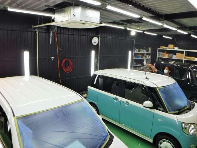 併設した工場です☆。☆♪お客様の大切な車両、エアコンも完備、で施工に最適な湿度、温度を欲保持できます。是非!!新しいかーらいふのスタートにクオーツコーティングはいかがでしょうか?