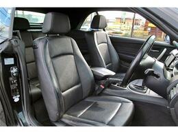運転席シートもキレイな状態を保っております。