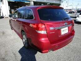 レガシィツーリングワゴンの左リヤビュー UV&プライバシーガラスで、車内の紫外線&プライバシーをシャットアウト