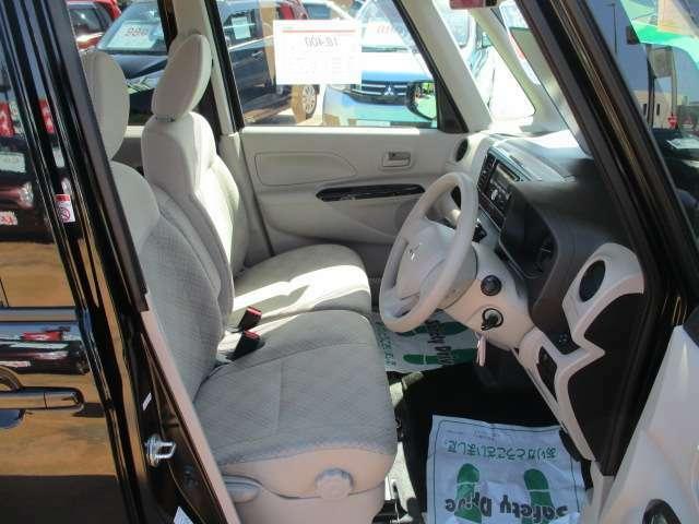 ゆったり座れて運転疲れも軽減!車の中とは思えない居住性♪