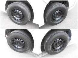 ☆現在装着のタイヤ【ヨコハマ アイスガード 195/80R15 107/105L LT】バン用のタイヤになりますのでご安心下さい☆