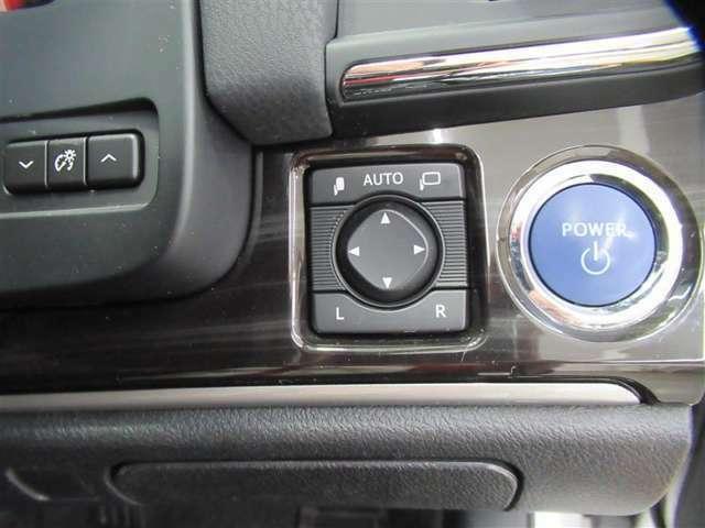 ドアミラーはドアロックの開閉に応じた自動開閉機能付。駐車の度に操作する必要がなくなりました