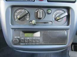 純正ラジオを装備!別途オプションでポータブルナビ取付可能です!