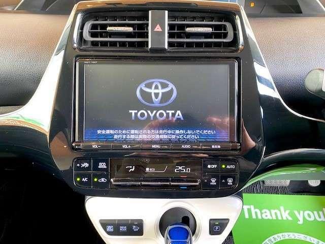 純正9インチナビ装着車輌で操作性や見やすさも大変良く、とてもおしゃれなオーディオパネル周りになってます。