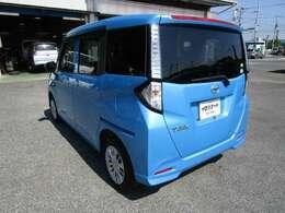 タンクの左リヤビュー UV&プライバシーガラスで、車内の紫外線&プライバシーをシャットアウト