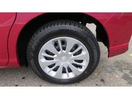 〔装着タイヤ〕 溝は6部山ほど残っております。