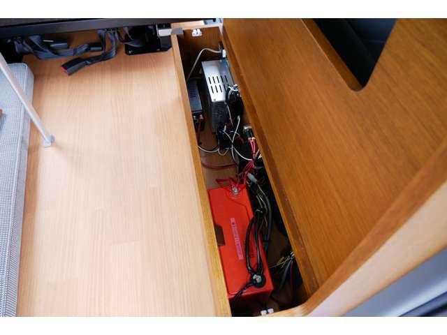 サブバッテリー 走行充電 500Wインバーター コンバーター 外部電源付になります!