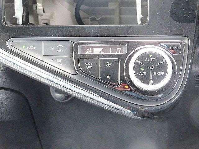 温度設定も容易に行える便利なオートエアコンです!