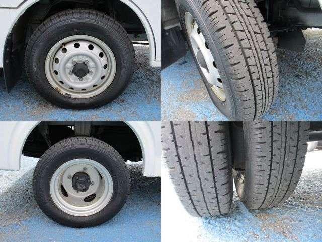 タイヤサイズ前輪165R14-6PR・後輪145R12-6PRです。