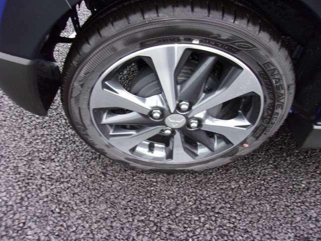 タイヤサイズ165/55R15 純正15インチアルミホイール