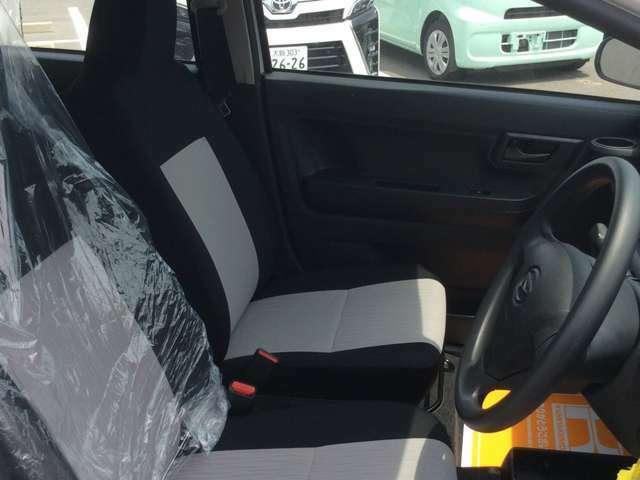 運転席は使用する部分ですので、座り心地が重要です!ぜひ一度体感してください!!