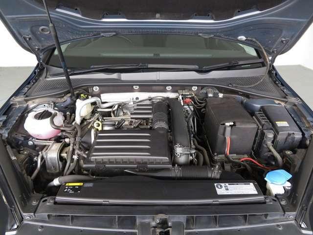 燃費とパワーを両立させた1.2TSIエンジン。排気量のイメージを覆すレスポンスで出足も鋭く、高速道路でもストレスフリー。
