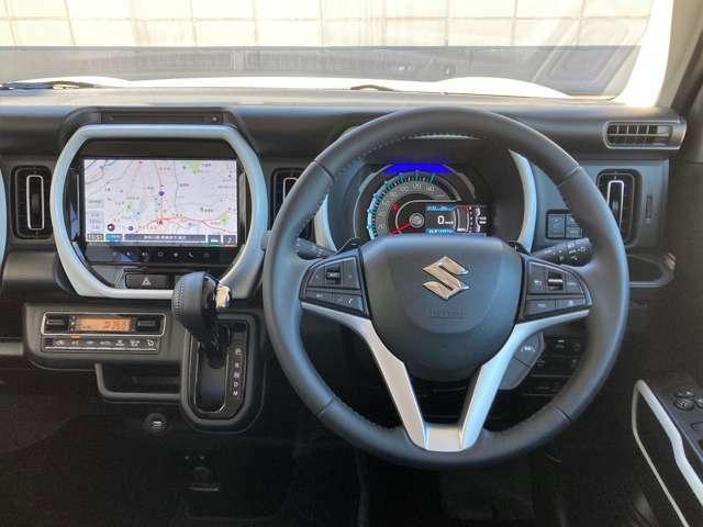 パドルシフトで運転が楽しく操れます♪ステアリングは革巻きでスポーティ!ハンドリングしやすい!