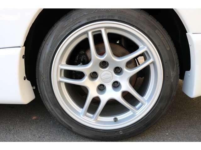アルミホイールは4本リペアして装着しています。タイヤは新品交換済。