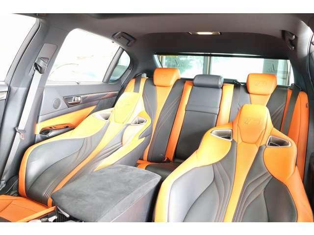 ブラック&オレンジレザーエアシート ハンドル・シートの擦れも殆どなくきれいな車輛です!