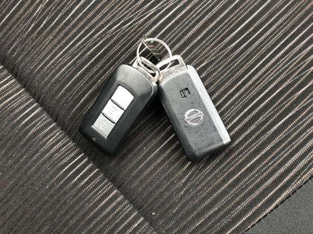 インテリジェントキー付き。バックやポケットにキーが入っていればスタートボタンを押すだけでエンジンがかけられます!