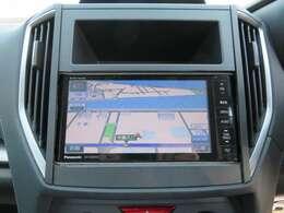 SDナビ地デジTVを装着しておりますっ! 目的地設定などはタッチパネル式を採用しておりラクラク操作が可能ですっ!