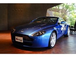 アストンマーティン V8 ヴァンテージ ディーラー車 右ハンドル