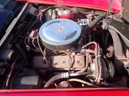 エンジンをL48(C3、180PS)からL98エンジン(C4、280PS前後)に乗せ替えし、かなり馬力が上がってハイパワーになっています。 エンジンはL98の特徴であるアルミヘッド等から確認できます。